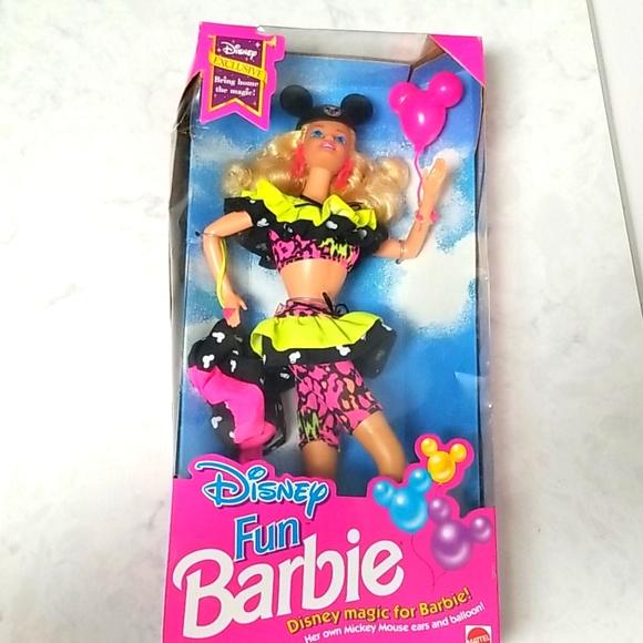 1992 Vintage Disney Fun Barbie Special Edition